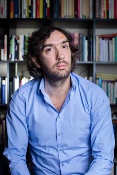Arnaud Le Guern, romancier, essayiste
