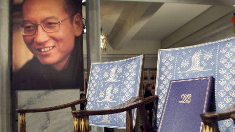 Liu Xiaobo, représenté par une chaise vide lors de la remise du prix Nobel de la paix en 2010 ©L'Express